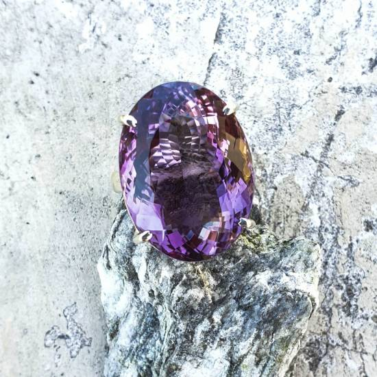 Ring with amethystt