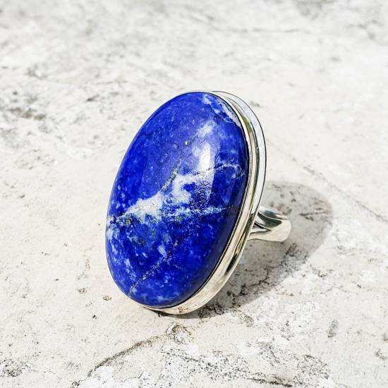 Ring with lazurite
